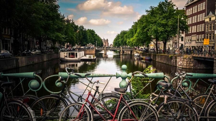 Rapport Tussentijdse Evaluatie Amsterdamse Leraren en scholenbeurzen. 2015-2016